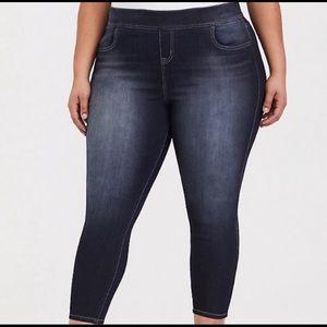 TORRID Cropped Lean Jean. BNWT.